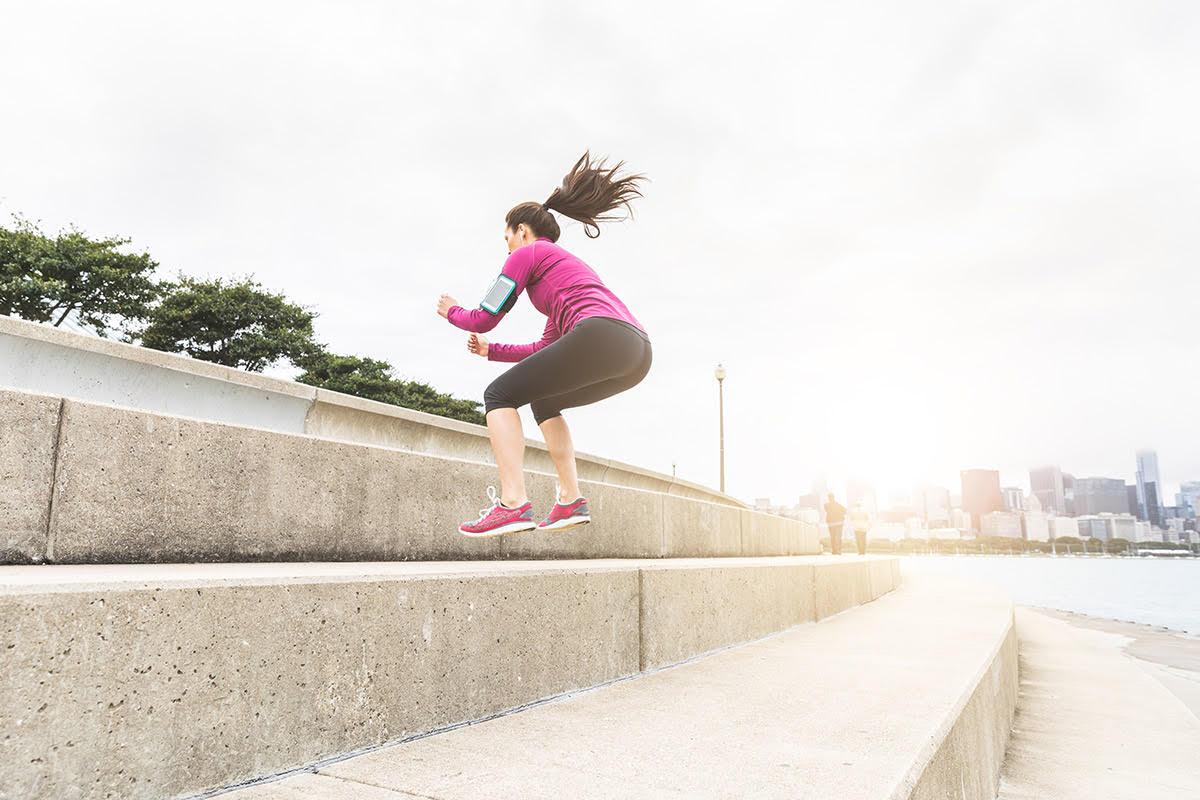 squat jump hiit training