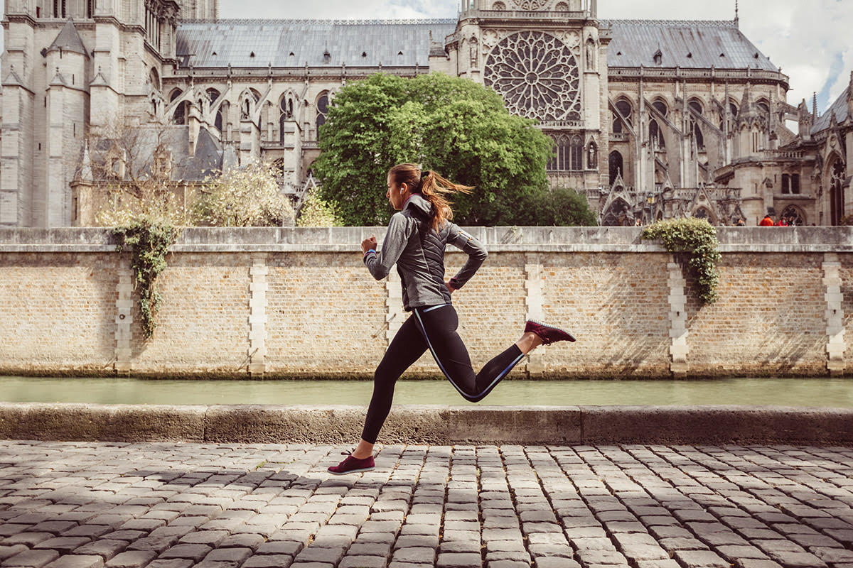 woman sprint training