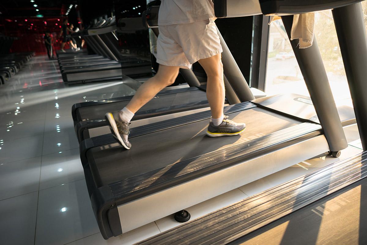 treadmill impacts knees