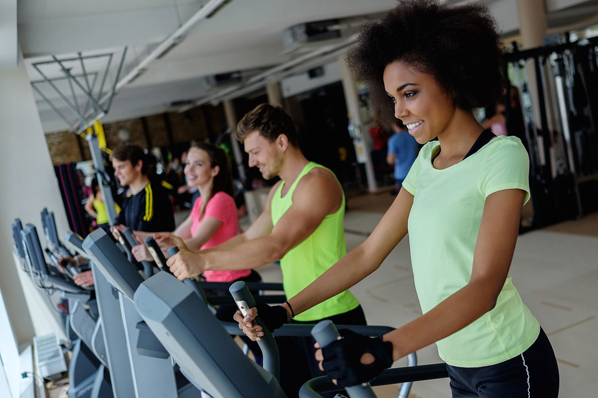 people do moderate fitness at gym