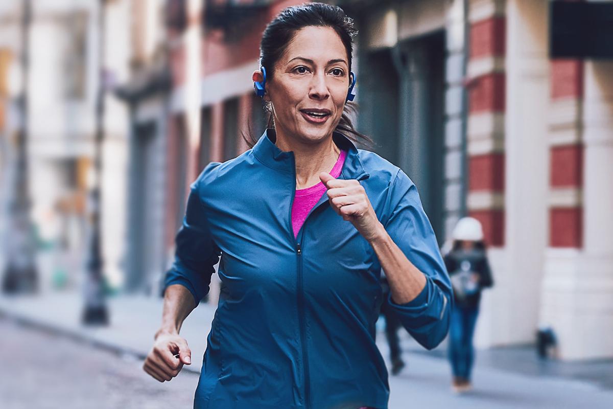 aaptiv woman run one mile