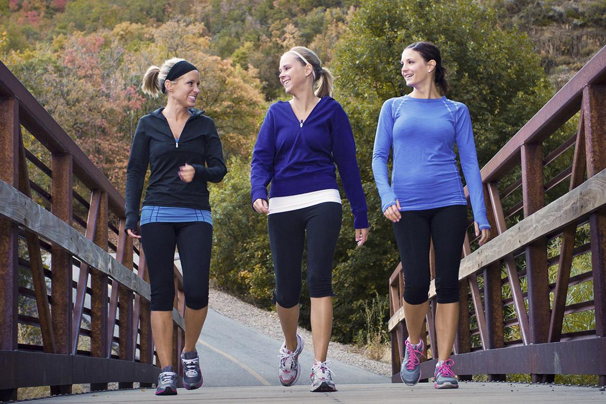 women lose weight by walking
