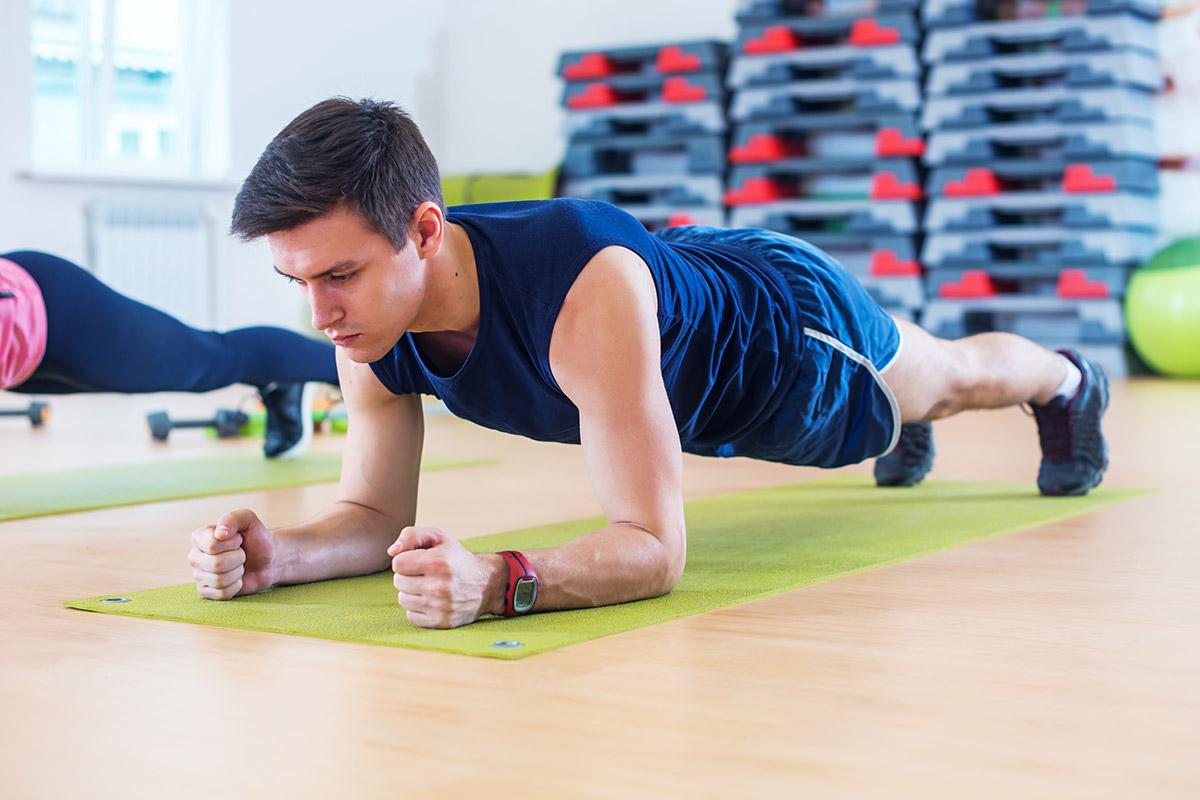 man does lazy workout